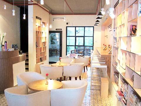 Cà phê sách FYI bookcafe