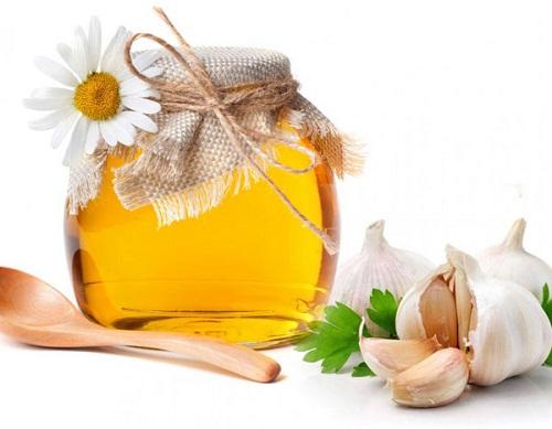 Trị ho bằng tỏi và mật ong