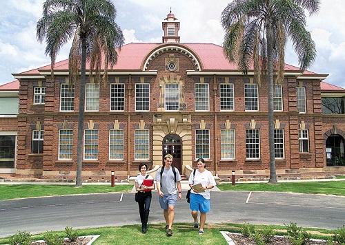 Hình 4: Đại học Queensland