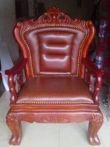 Lựa chọn màu sắc ghế giám đốc phù hợp phong thủy cũng là một điều đáng cân nhắc