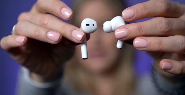 2 mẫu thiết kế tai nghe airpods khác nhau