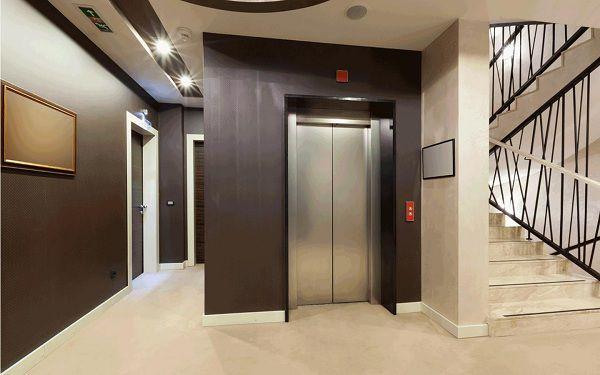 Lắp đặt thang máy ở vị trí cuối thang bộ