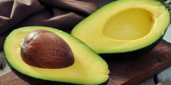 Bơ sáp tím và bơ sáp vỏ xanh nên chọn loại nào để hỗ trợ giảm cân?
