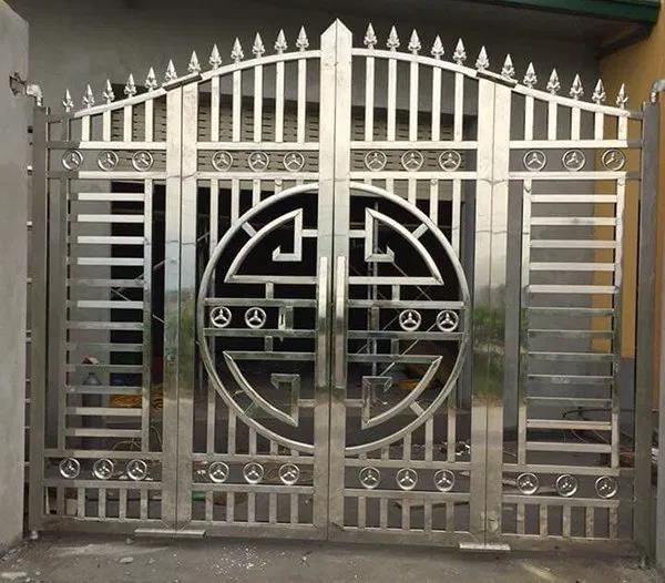 Lựa chọn mẫu cổng bằng inox tạo xu hướng mới