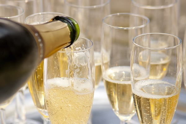 ruou vang sparkling wine